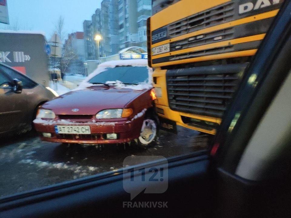 На Галицькій трапилося ДТП, фото-1