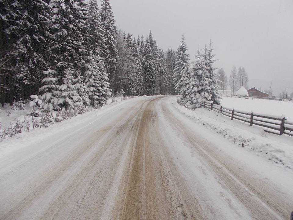 У Карпатах випало до 70 см снігу, зберігається найвищий рівень лавинної небезпеки, фото-1