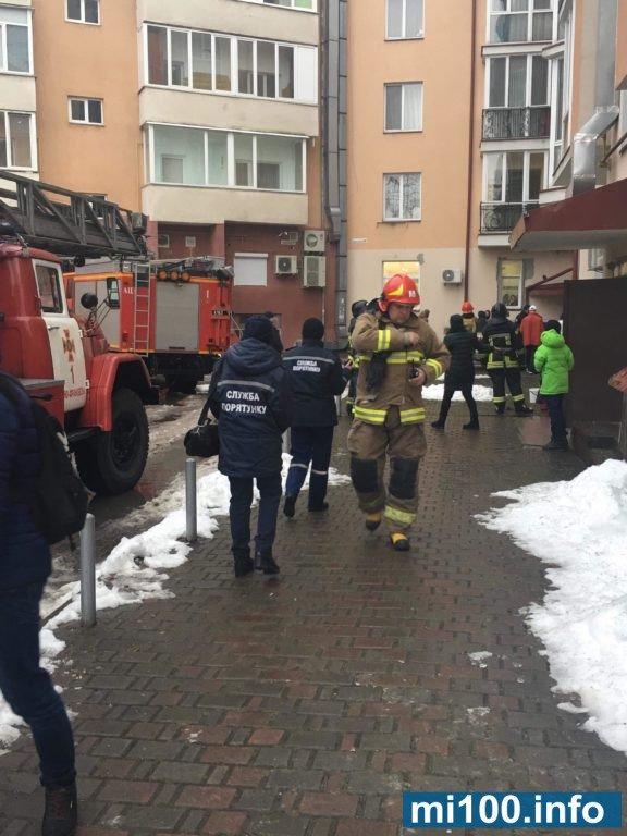 Пожежа у Франківську, - горить ресторан.ФОТО, фото-1