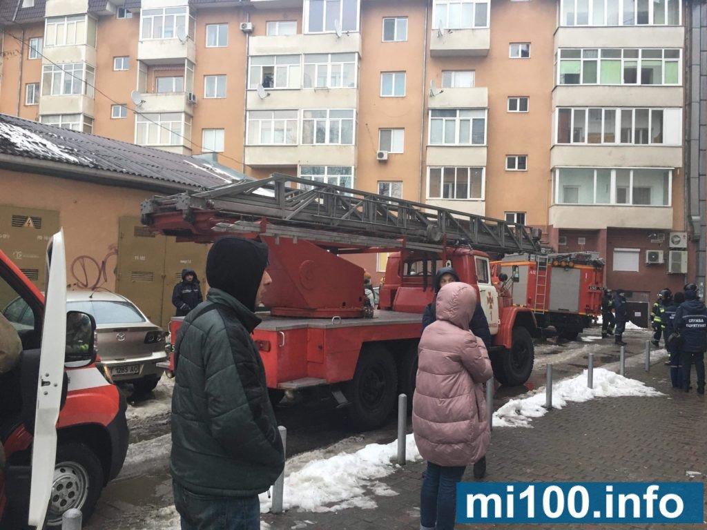 Пожежа у Франківську, - горить ресторан.ФОТО, фото-2