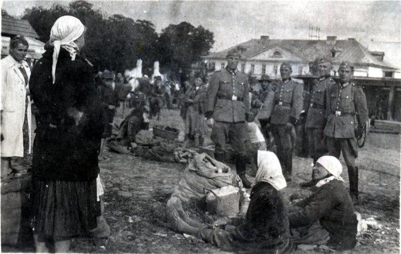 Як виглядала вулиця Старозамкова 100 років тому (фоторепортаж), фото-6