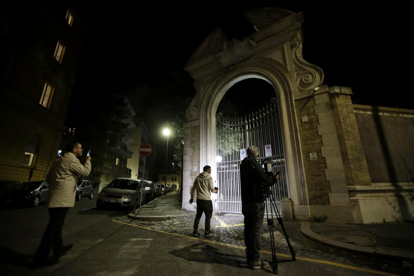 """""""Куди вказує янгол"""". У Ватикані розкопають могилу. Справа про загадкове зникнення 15-річної дівчини , фото-2"""