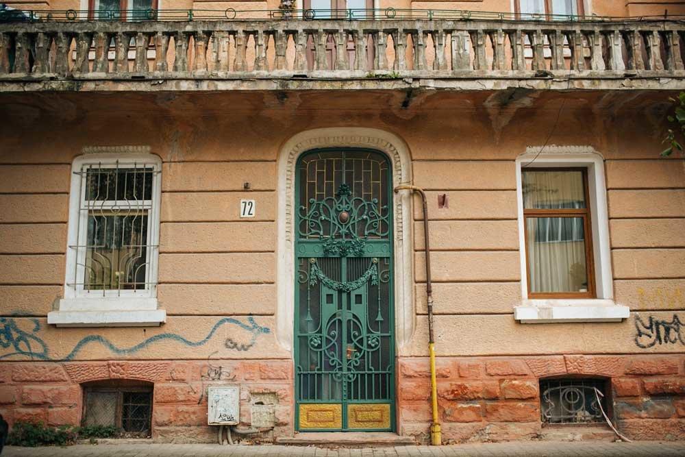 Різьблені двері в старих будинках — те, що варто берегти, фото-6