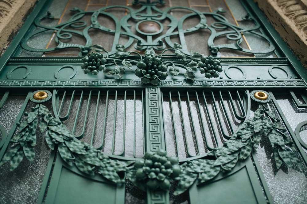 Різьблені двері в старих будинках — те, що варто берегти, фото-3