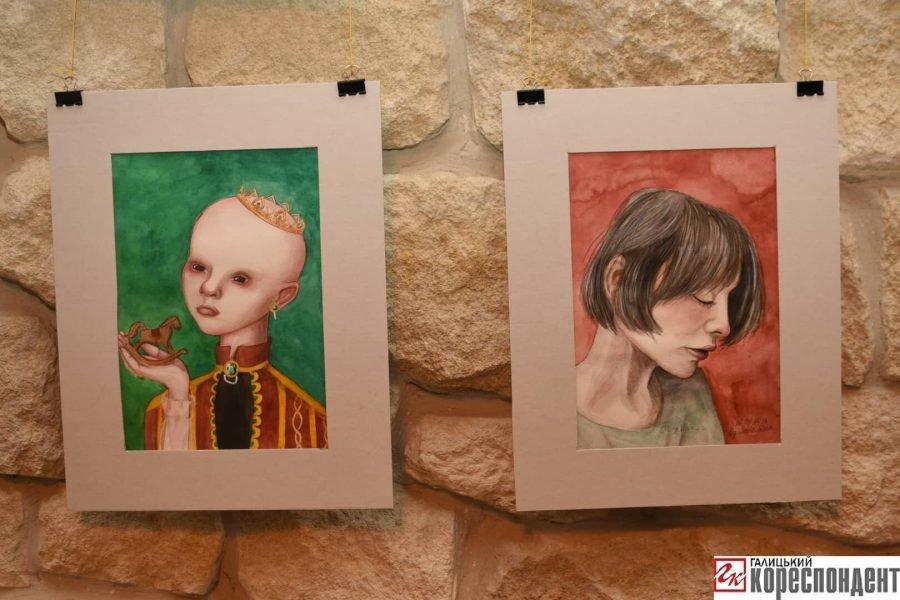 """У Франківську відкрилась виставка картин 14-річної Софії Гарматюк """"Без назви"""", фото-1"""
