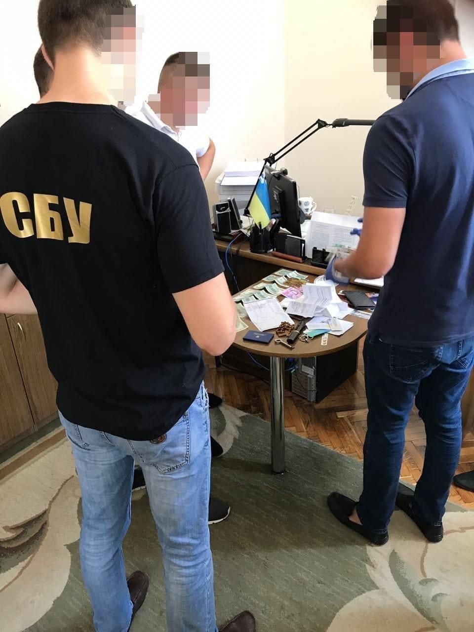 СБУ викрила керівника одного з райвідділів виконавчої служби Івано-Франківщини на хабарях, фото-5