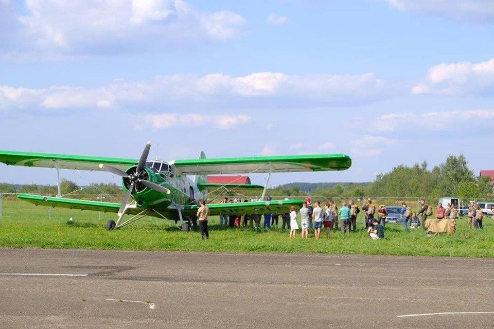"""Повітряні кулі, стрибки з парашутом та автоперегони: У Коломиї проходить """"Drive for Life Fest"""", фото-9"""