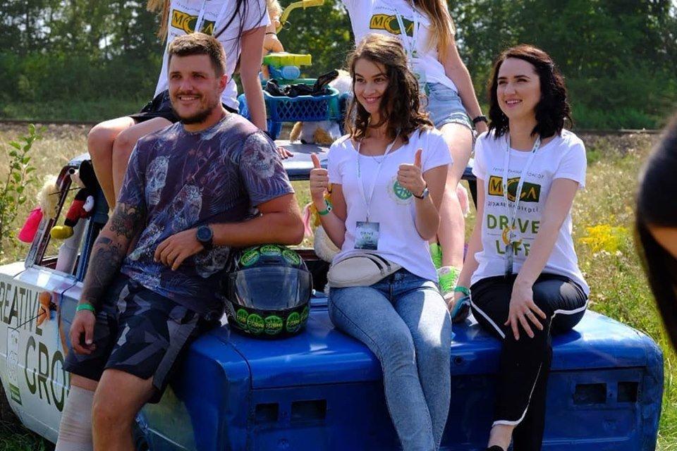 """Повітряні кулі, стрибки з парашутом та автоперегони: У Коломиї проходить """"Drive for Life Fest"""", фото-10"""