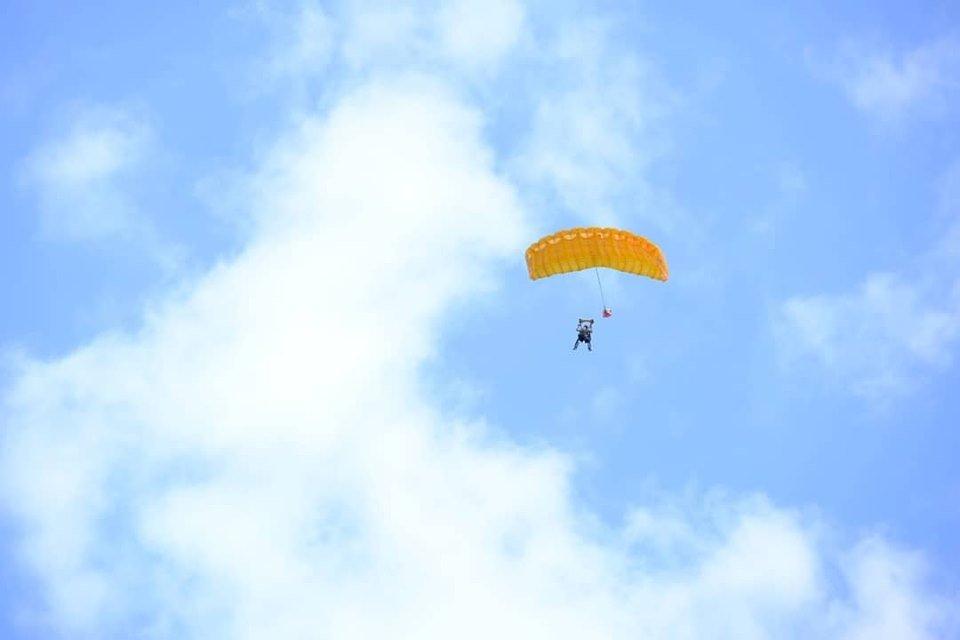 """Повітряні кулі, стрибки з парашутом та автоперегони: У Коломиї проходить """"Drive for Life Fest"""", фото-3"""