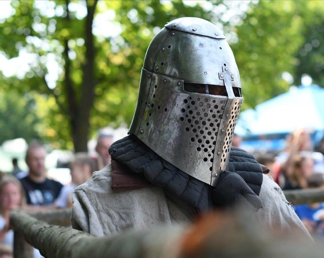 """Лицарські бої, мотопробіг, повітряна куля: фестиваль """"Галицьке лицарство"""" на Прикарпатті (фото, відео), фото-1"""