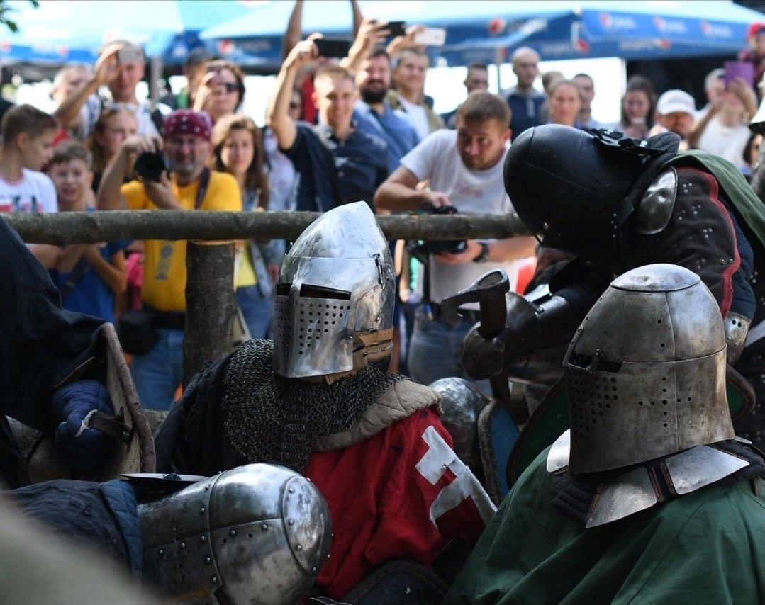 """Лицарські бої, мотопробіг, повітряна куля: фестиваль """"Галицьке лицарство"""" на Прикарпатті (фото, відео), фото-27"""