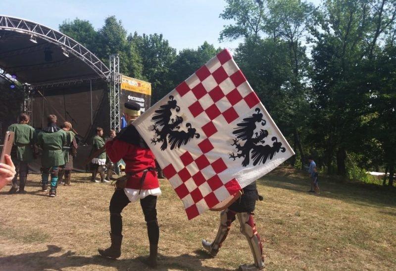 """Лицарські бої, мотопробіг, повітряна куля: фестиваль """"Галицьке лицарство"""" на Прикарпатті (фото, відео), фото-20"""