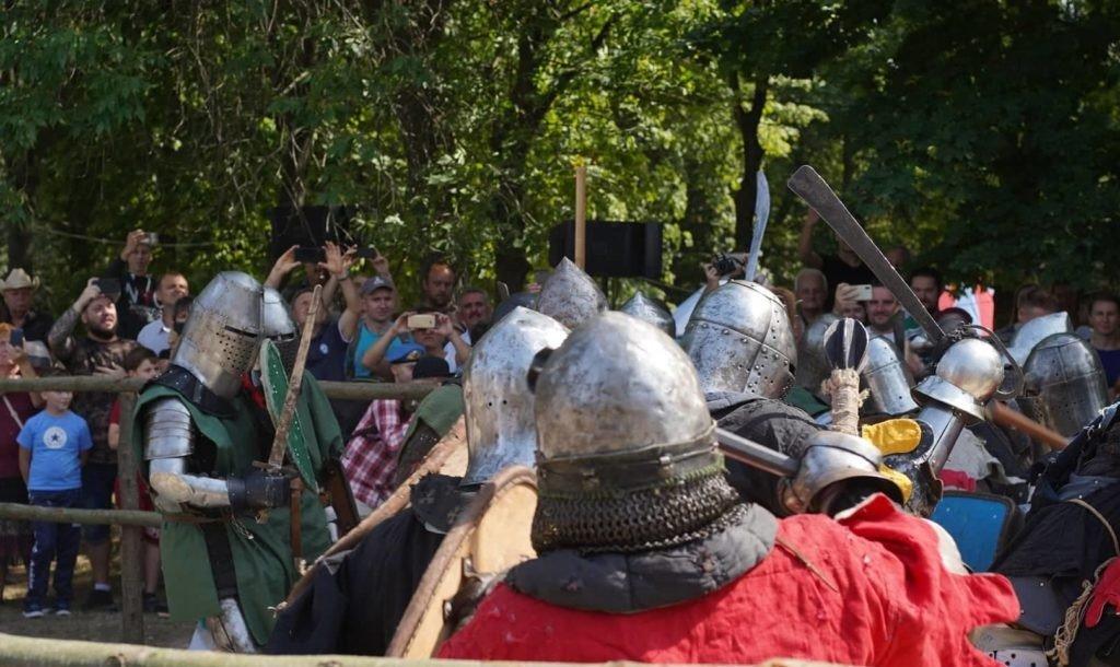 """Лицарські бої, мотопробіг, повітряна куля: фестиваль """"Галицьке лицарство"""" на Прикарпатті (фото, відео), фото-30"""