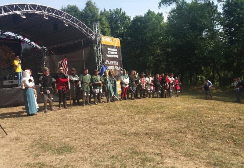 """Лицарські бої, мотопробіг, повітряна куля: фестиваль """"Галицьке лицарство"""" на Прикарпатті (фото, відео), фото-17"""