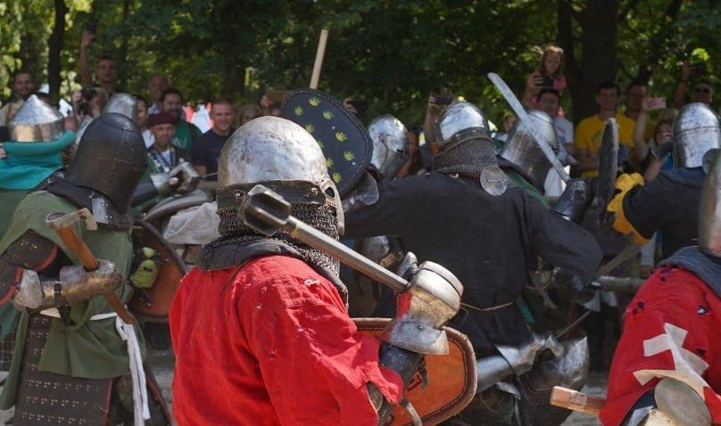 """Лицарські бої, мотопробіг, повітряна куля: фестиваль """"Галицьке лицарство"""" на Прикарпатті (фото, відео), фото-37"""