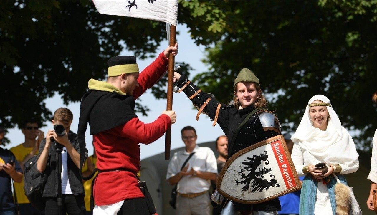 """Лицарські бої, мотопробіг, повітряна куля: фестиваль """"Галицьке лицарство"""" на Прикарпатті (фото, відео), фото-23"""
