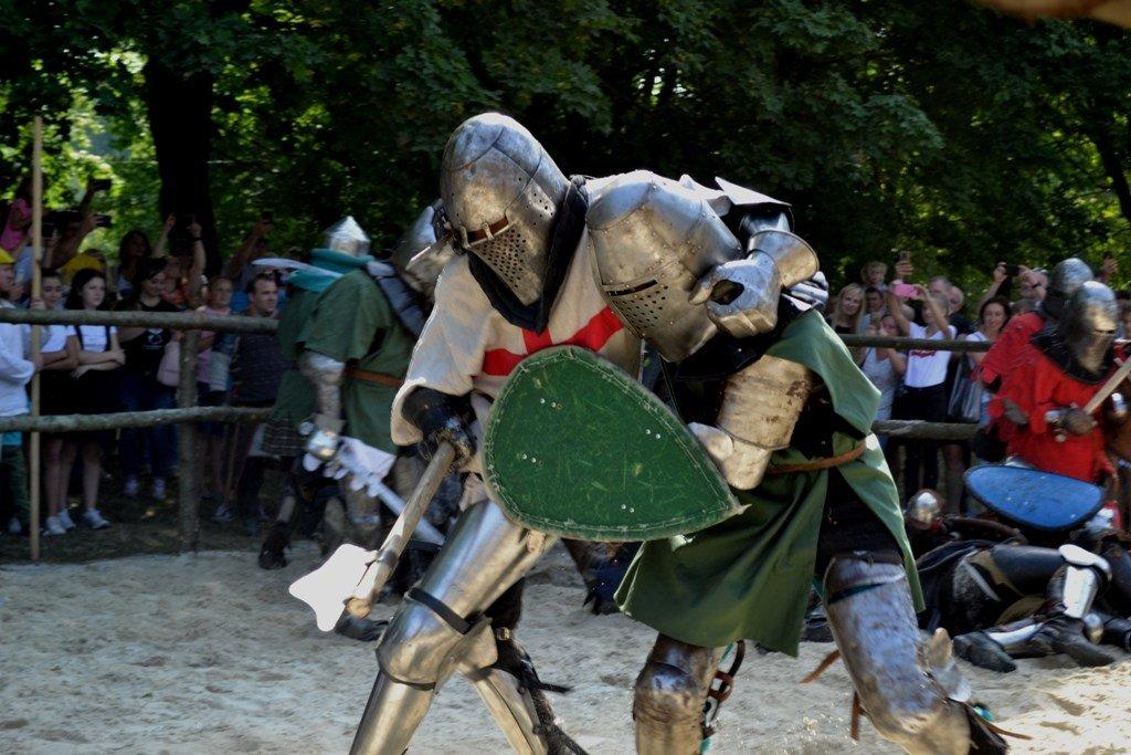 """Лицарські бої, мотопробіг, повітряна куля: фестиваль """"Галицьке лицарство"""" на Прикарпатті (фото, відео), фото-2"""