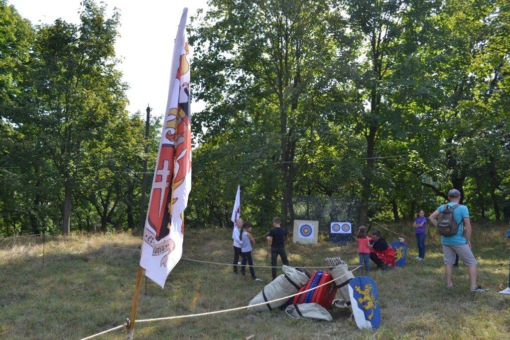 """Лицарські бої, мотопробіг, повітряна куля: фестиваль """"Галицьке лицарство"""" на Прикарпатті (фото, відео), фото-4"""
