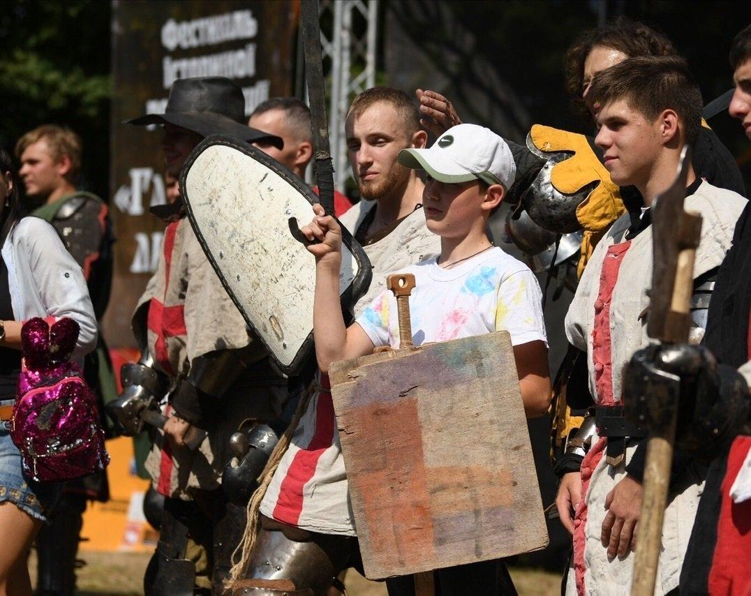 """Лицарські бої, мотопробіг, повітряна куля: фестиваль """"Галицьке лицарство"""" на Прикарпатті (фото, відео), фото-21"""