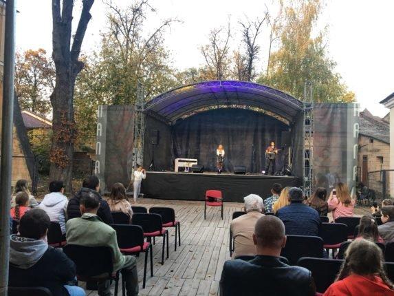 У палаці Потоцьких провели благодійний концерт на підтримку 11-річної франківки, фото-1
