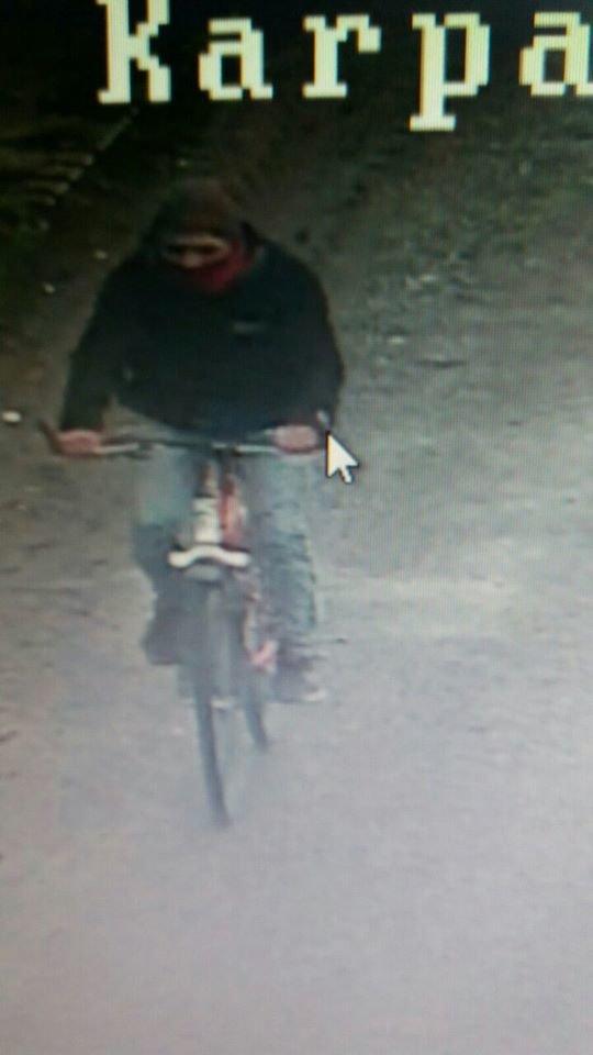 Прикарпатські поліцейські просять опізнати крадія (фото), фото-2