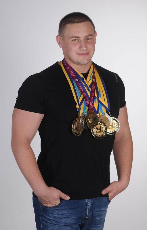 Працівник калуського «КАРПАТНАФТОХІМу» – чемпіон світу з пауерліфтингу за версією WPRO, фото-1