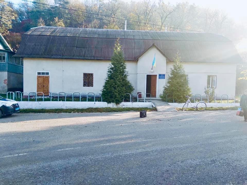 Правоохоронці Городенківщини розшукала чоловіка, який обікрав сільську раду, фото-2