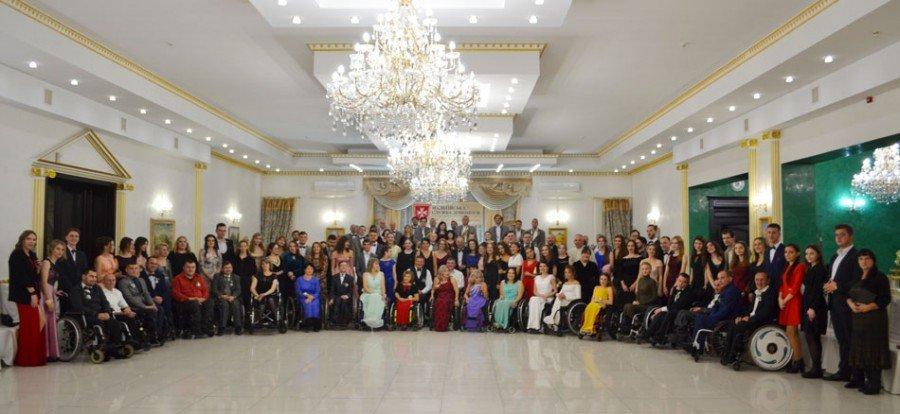 На Прикарпатті відбувся бал для людей з обмеженими фізичними можливостями (фото), фото-7
