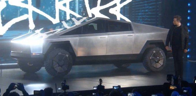 На футуристичний електро пікап Tesla Cybertruck за два дні черга - 146 тисяч замовлень, фото-1