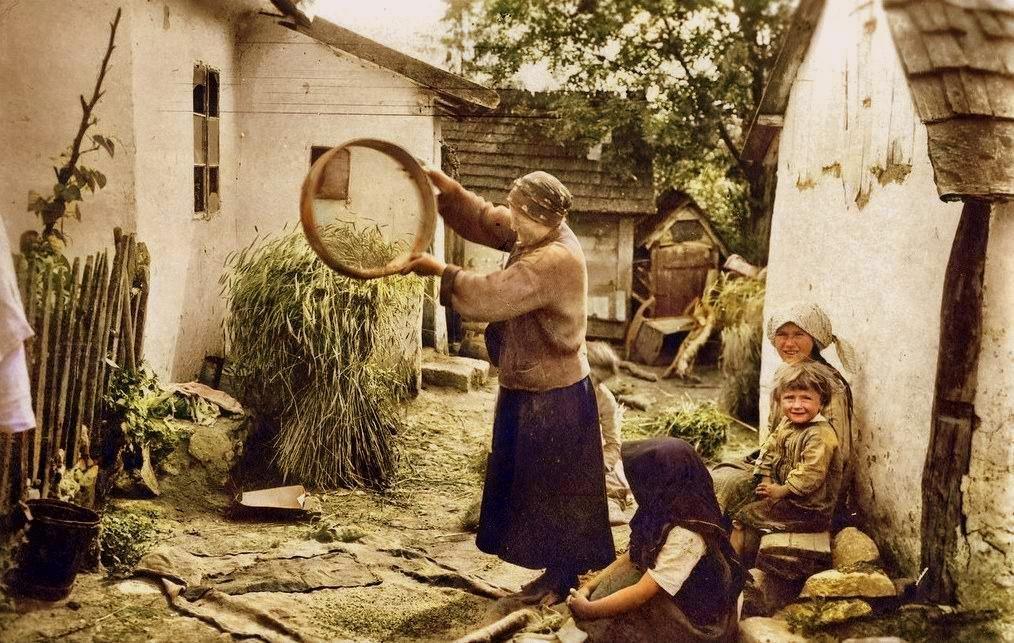 Прикапраття сто років тому. В мережі з'явилися світлини побуту жителів краю початку 20 століття, фото-3