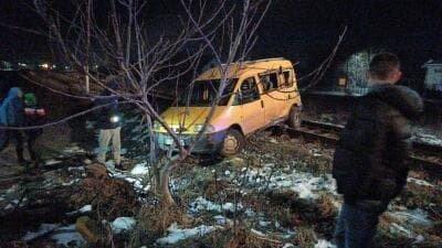 У Калуші потяг врізався в автомобіль (ФОТО) , фото-3