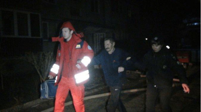 Небайдужий допомагав рятувати людей: стали відомі деталі пожежі у будинку на Довгій (ФОТО), фото-3