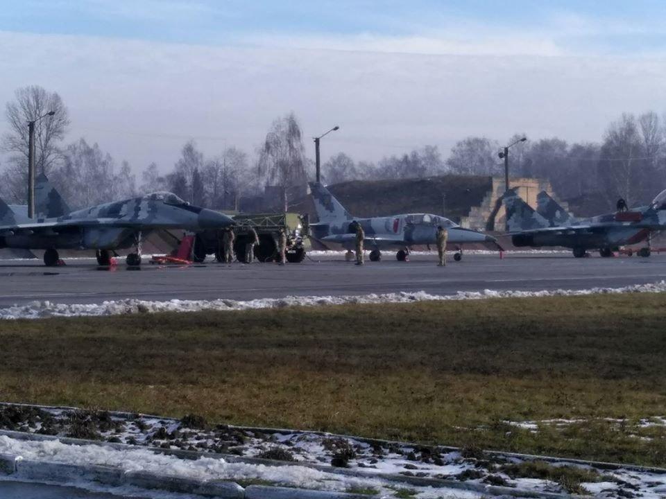 Перші командирські польоти. У Франківську авіатори вправляються в майстерності, фото-2