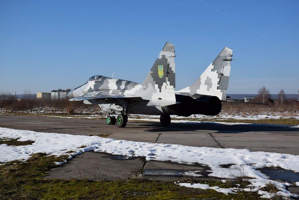 Перші командирські польоти. У Франківську авіатори вправляються в майстерності, фото-3