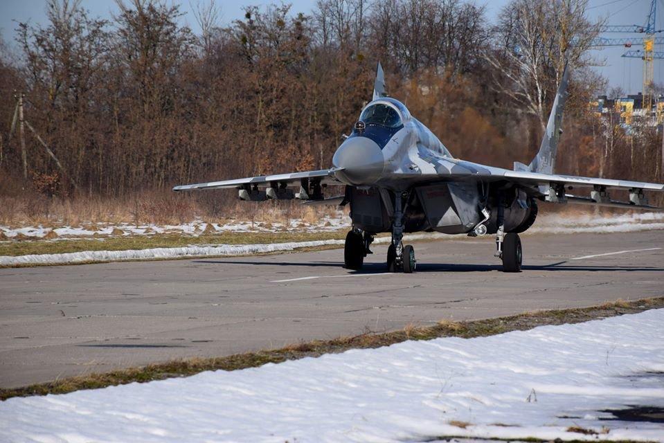 Перші командирські польоти. У Франківську авіатори вправляються в майстерності, фото-5