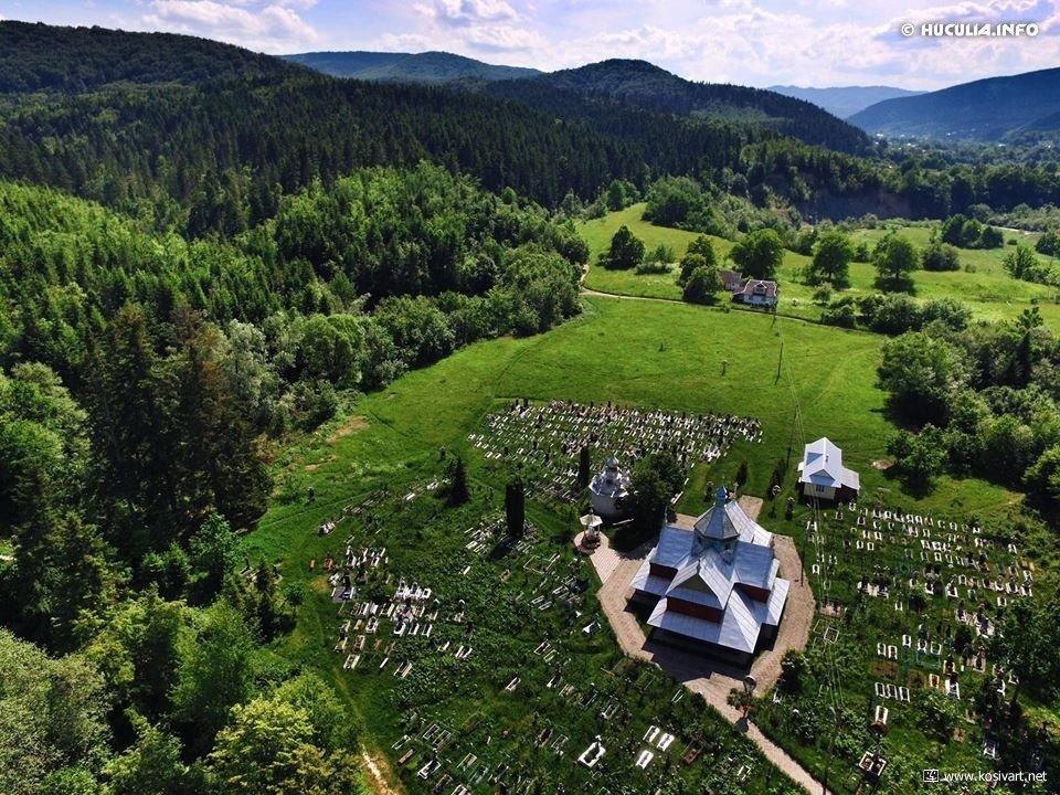 Церква Успіння Богородиці в селі Пістинь — найстаріший храм Гуцульщини, фото-2