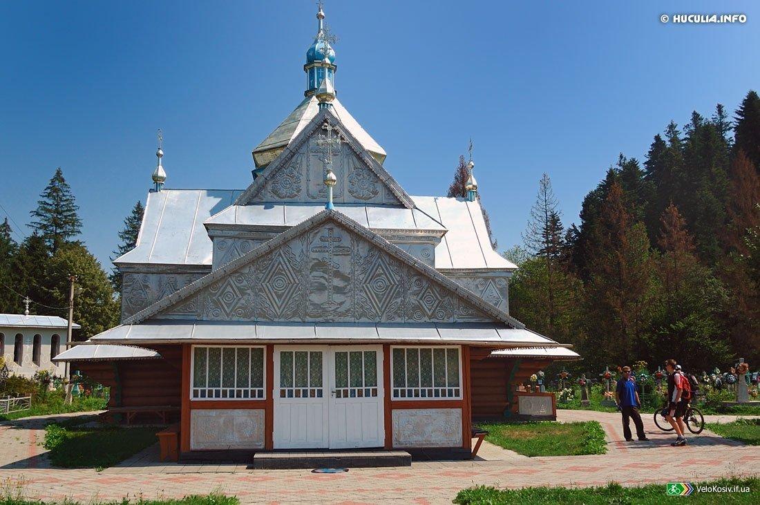 Церква Успіння Богородиці в селі Пістинь — найстаріший храм Гуцульщини, фото-4