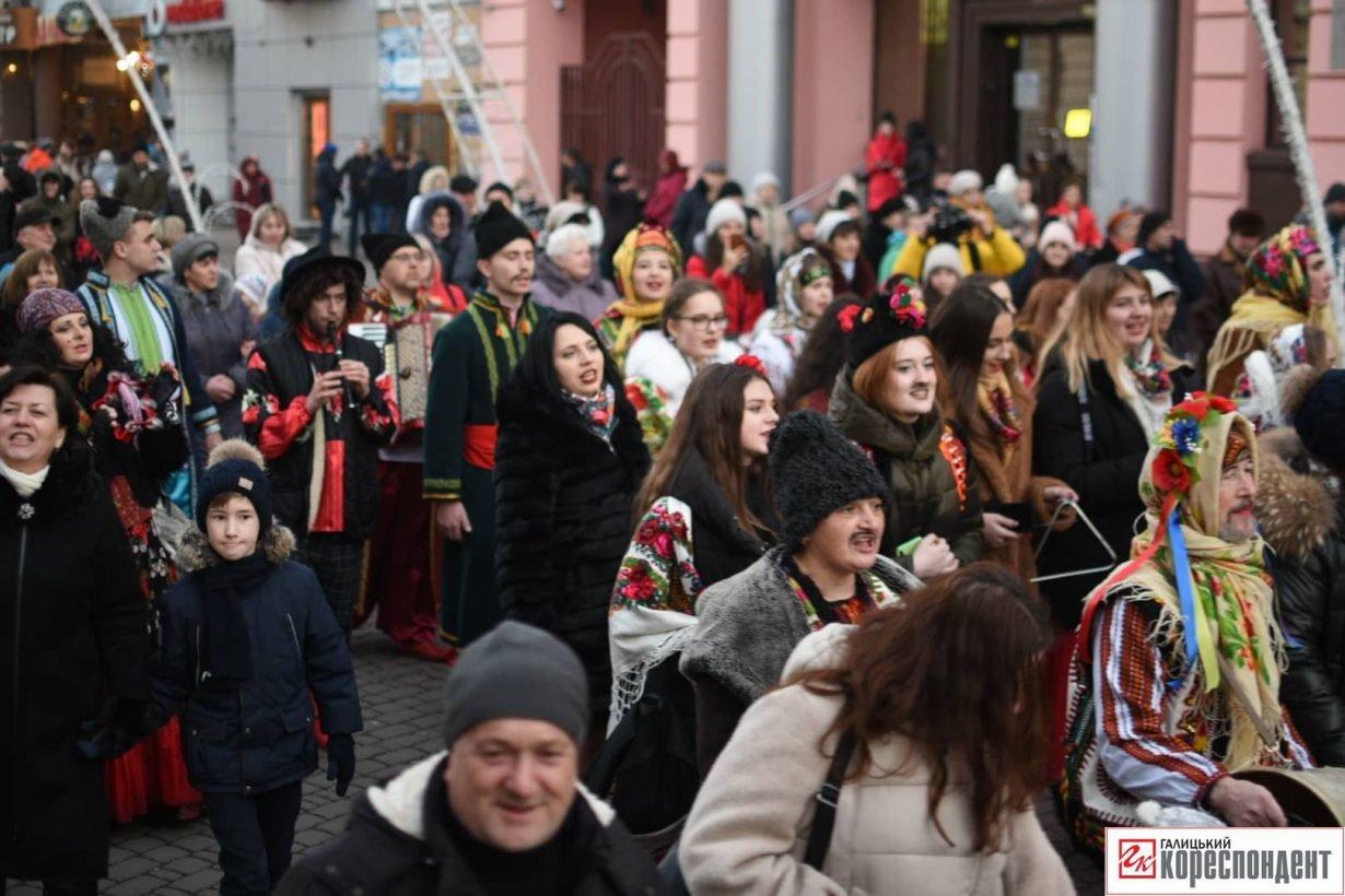 В центрі Франківська пройшов парад Маланок. ФОТО, фото-8