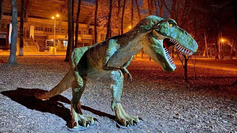 """""""Я все покинув і почав робити динозаврів"""". Історія майстра з Коломиї, фото-2"""