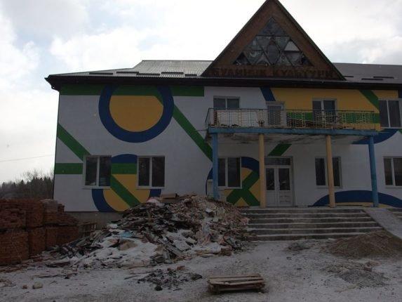 В одному з сіл на Богородчанщині знищили унікальну мозаїку, фото-1