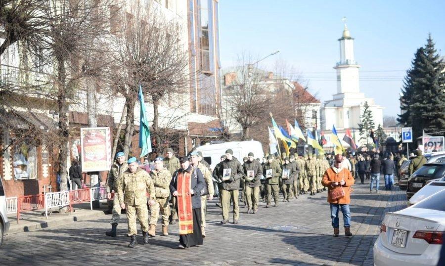 У Франківську вшанували пам'ять захисників Донецького аеропорту (фото), фото-1