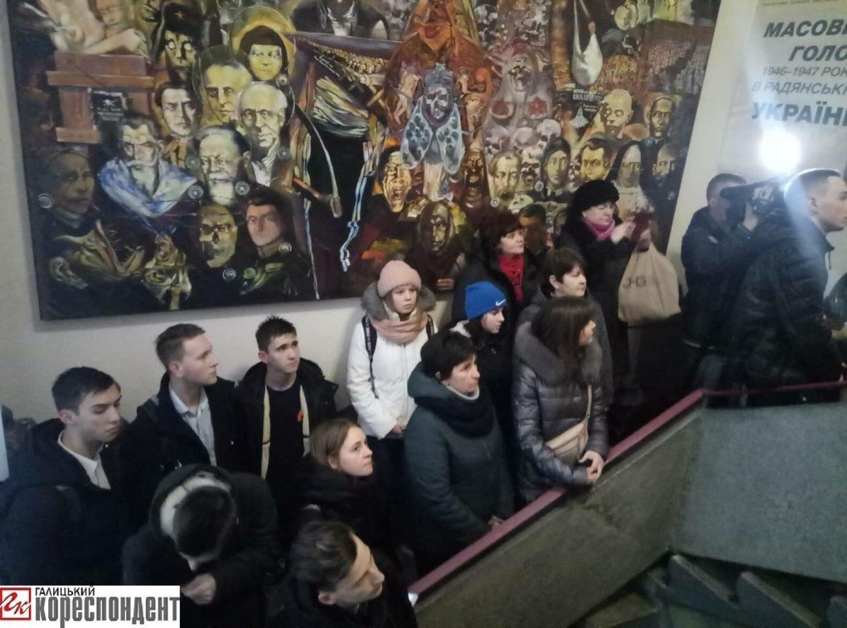 """У Франківську відкрили виставку """"Масовий голод 1946 – 1947 років"""" (фото), фото-4"""