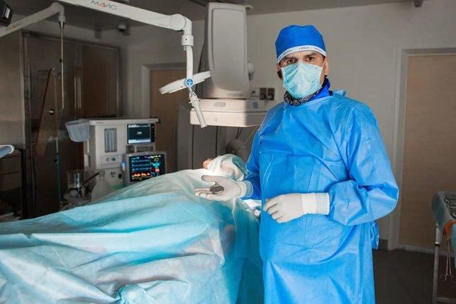 Франківські лікарі провели складну невідкладну операцію 90-річній жінці, фото-1
