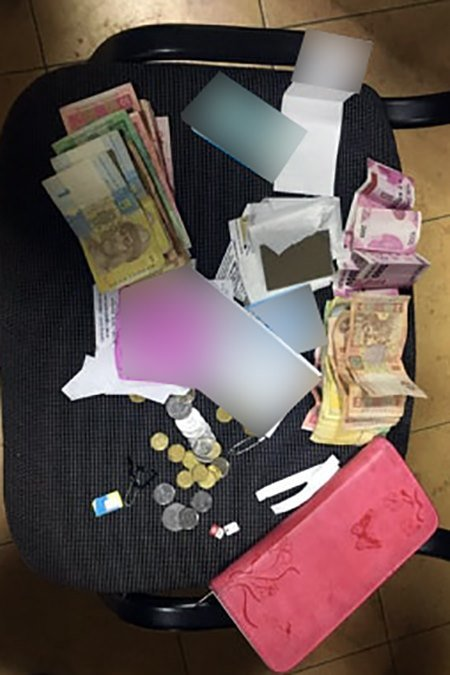 У Франківську затримали жінок, які обкрадали пасажирів у маршрутках, фото-1
