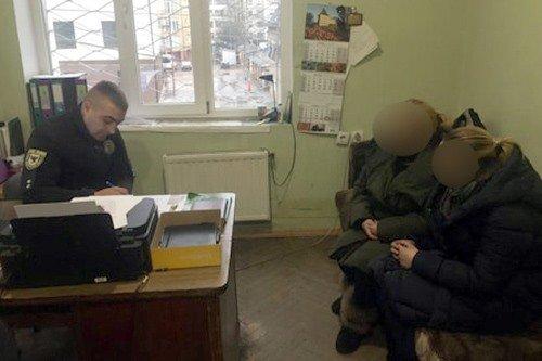 У Франківську затримали жінок, які обкрадали пасажирів у маршрутках, фото-2