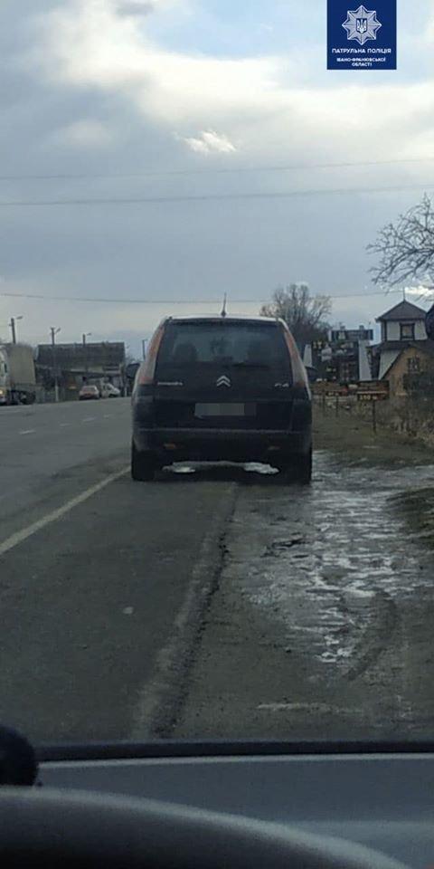 У Франківську водій хотів дати патрульним хабар, фото-2