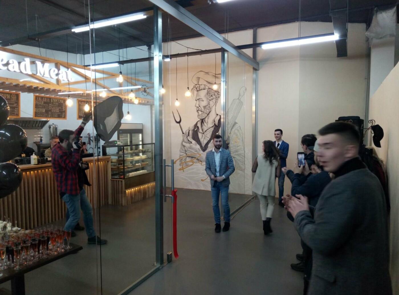 """Новий заклад громадського харчування Bread Meat відкрили в ТЦ """"Центральний"""" (фото), фото-1"""