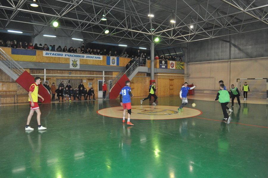 Мсштабні змагання з мініфутболу влаштували студенти-медики у Франківську (ФОТО), фото-2
