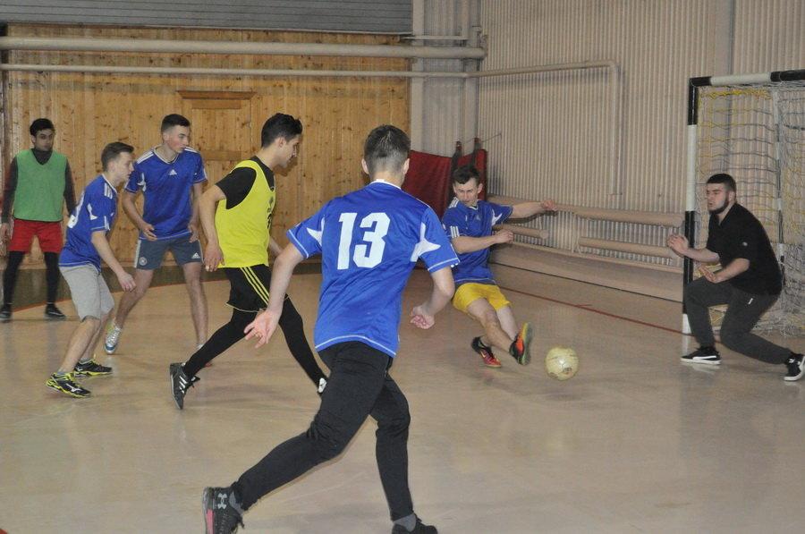 Мсштабні змагання з мініфутболу влаштували студенти-медики у Франківську (ФОТО), фото-6