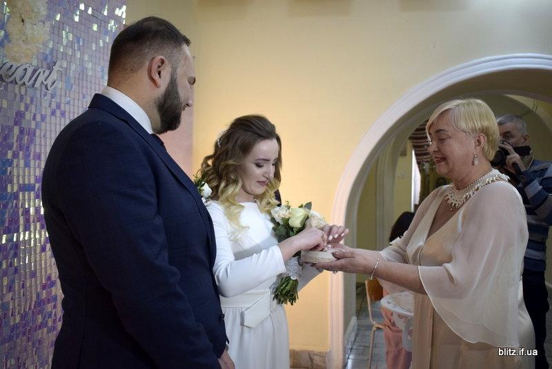 У день закоханих в Івано-Франківську за добу одружаться 11 пар, фото-3